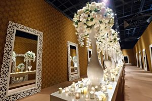 Ways to decorate your Wedding venue with Flowers!