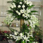 White Glow Flower Centerpiece