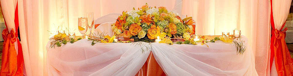 Decorate Your Wedding Venue with Flowers